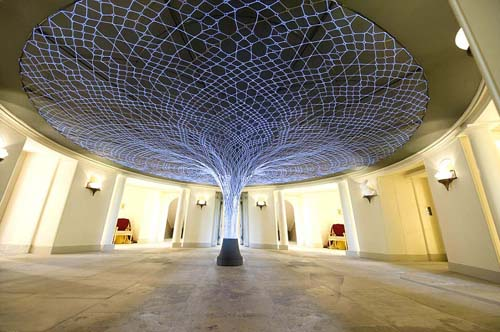 electroluminescent el wire sculpture in will and kates palace home